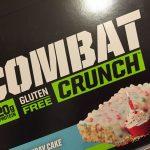 糖質ダイエットにおすすめバースデーケーキ味のコンバットプロテインバー